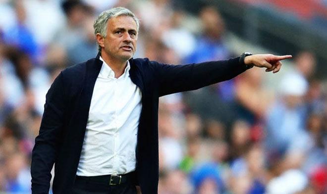 Siêu đội hình tin đồn MU 400 triệu bảng: Mourinho thỏa nguyện, công thủ như mơ - 1