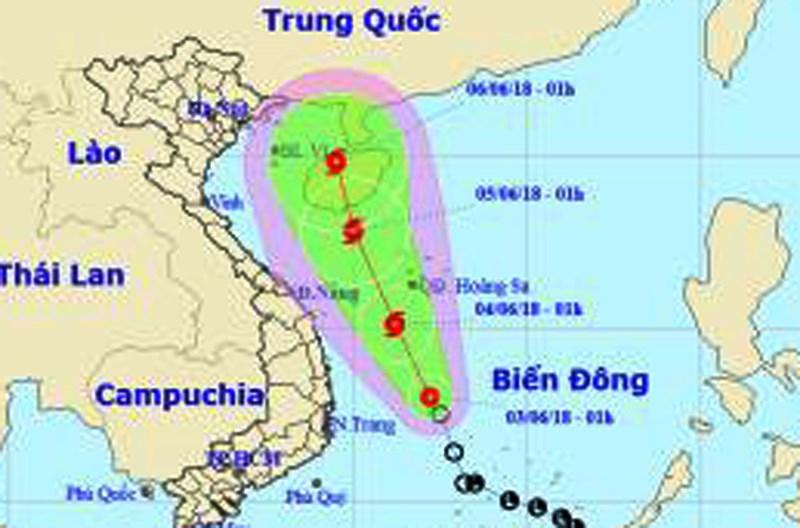 Áp thấp mạnh lên thành bão đang chạy dọc biển miền Trung - 1