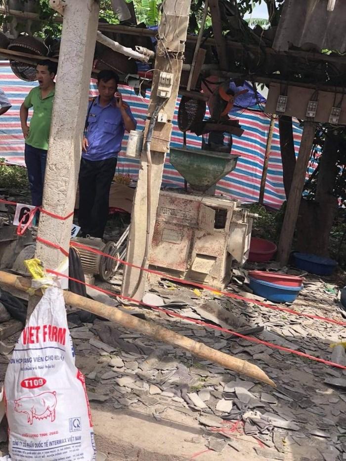 Hé lộ nguyên nhân vụ máy xát nổ như bom khiến 2 người tử vong - 1