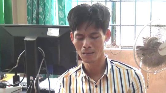 """Gã """"giang hồ thứ thiệt"""" bật khóc khi bị phát hiện tàng trữ ma túy đá - 1"""