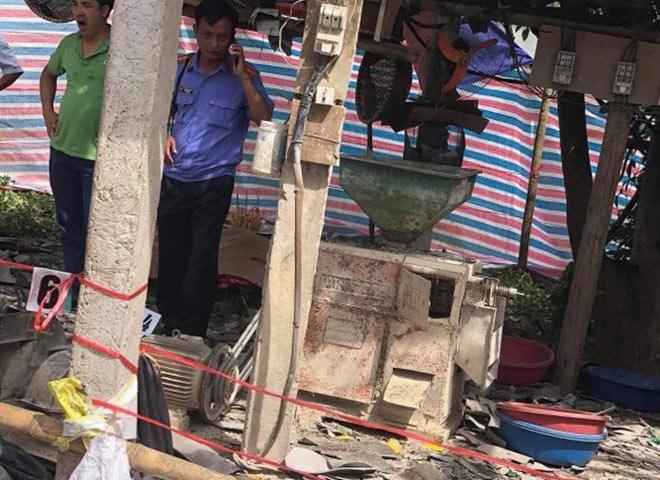 Vụ nổ máy xát 2 người chết: Bố đi nghiền bột về làm bánh sinh nhật cho con trai - 1
