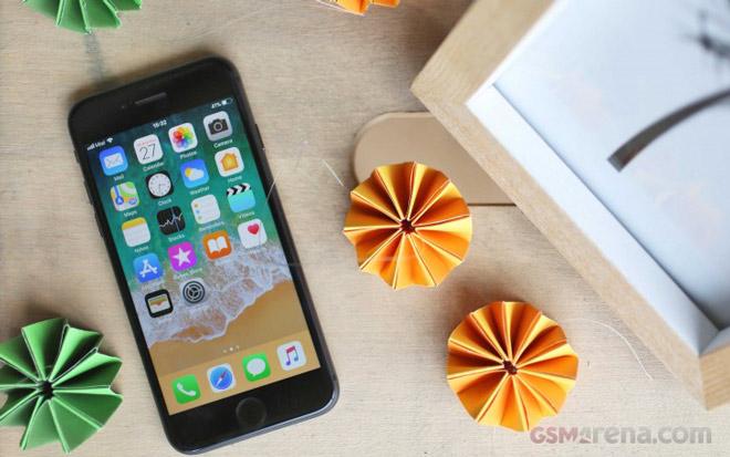 iPhone X bán chậm dần, Apple giảm đơn đặt hàng linh kiện - 1