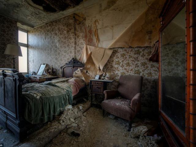 Rùng mình khám phá bên trong những ngôi nhà bỏ hoang đầy ma mị