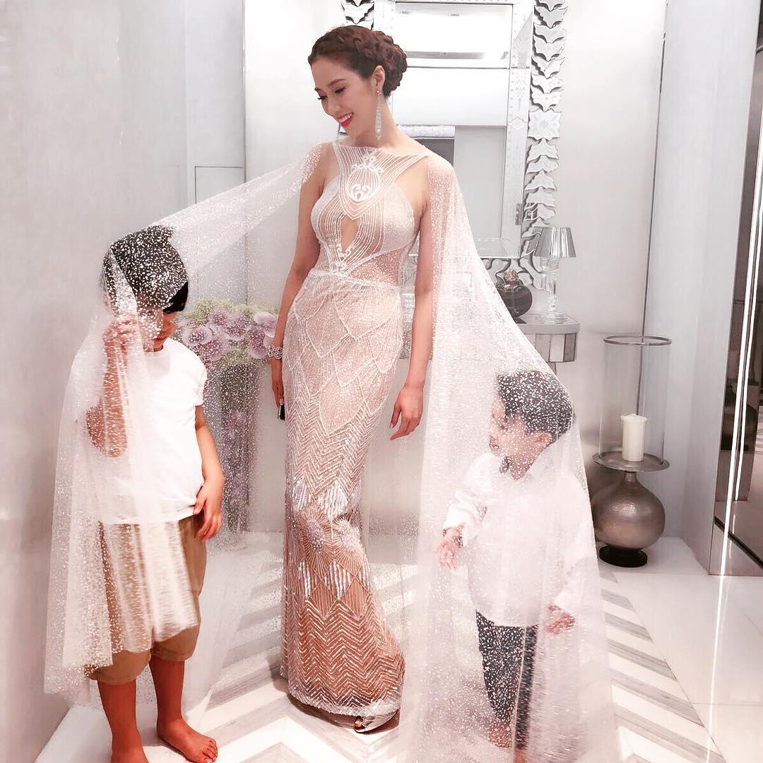 """""""Cô dâu nghìn tỷ"""" Trung Quốc gợi cảm khó tin dù đã sinh 4 con - 1"""