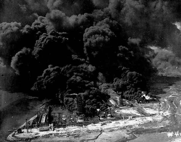 Vụ nổ tàu chết chóc nhất nước Mỹ, thổi bay cả sà lan và máy bay - 1