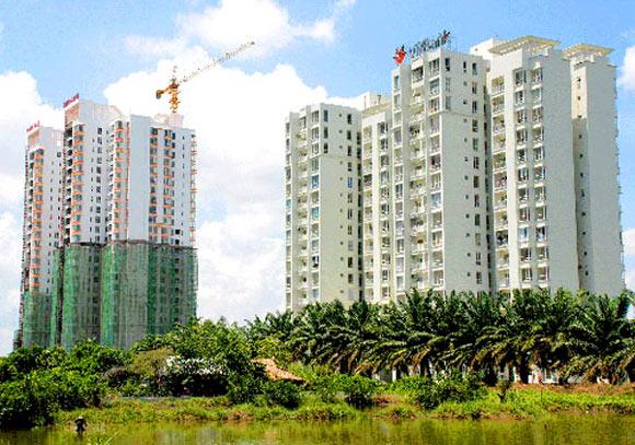 Thị trường căn hộ bình dân tại TP.HCM sụt giảm mạnh - 1