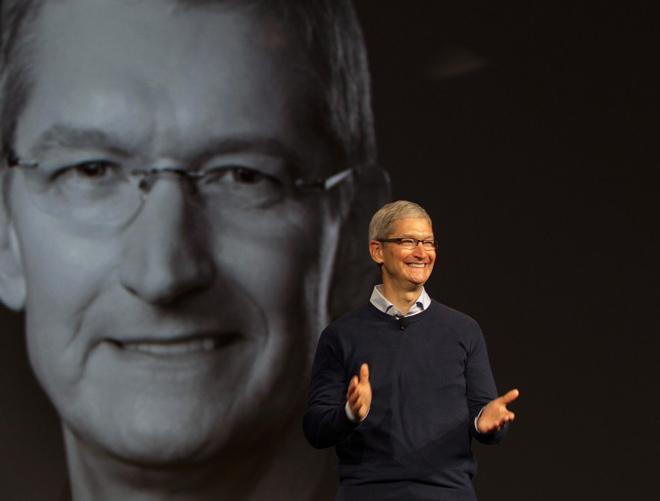 CEO Tim Cook chia sẻ câu chuyện về Steve Jobs và iPhone - 1