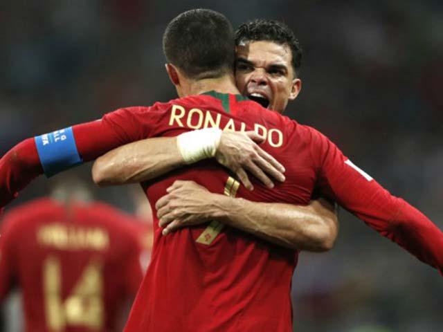 Góc chiến thuật Bồ Đào Nha – Tây Ban Nha: Thầy giỏi, trò hay & vận may Ronaldo