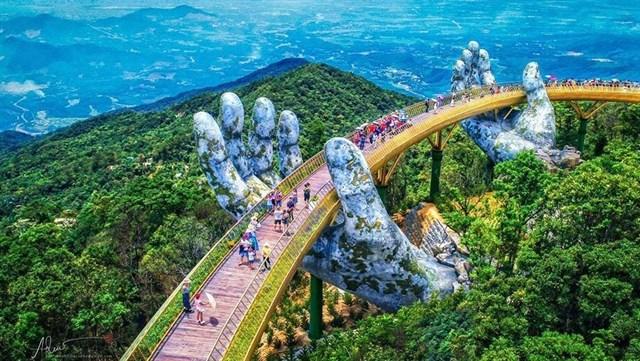 Cầu Vàng - Dải lụa bồng bềnh giữa mây trời Đà Nẵng - 1