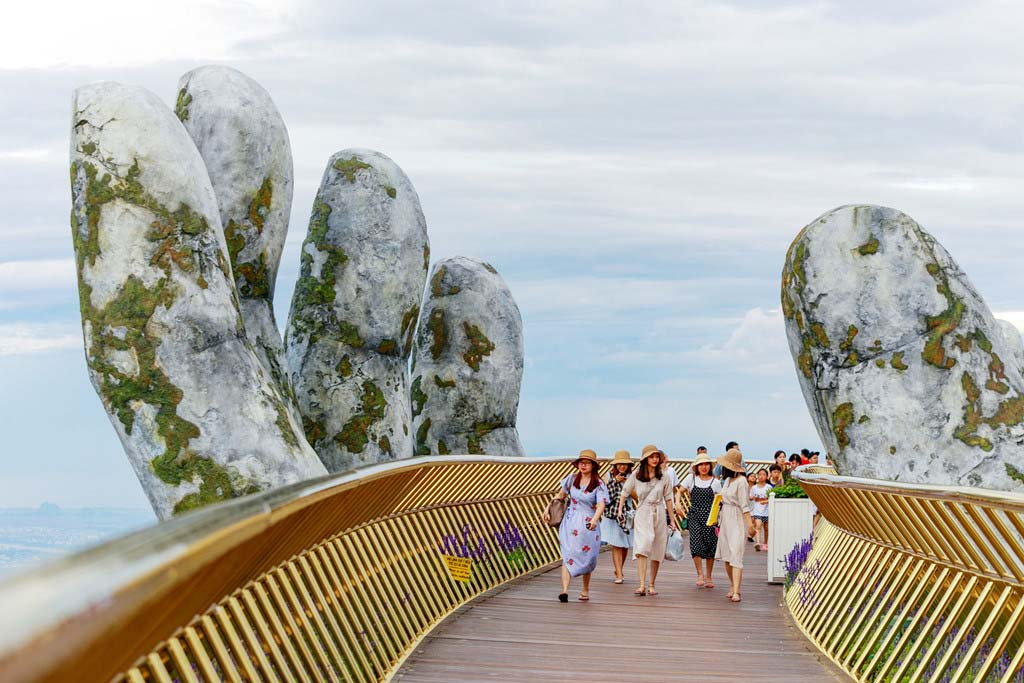 Cầu Vàng - Dải lụa bồng bềnh giữa mây trời Đà Nẵng - 6
