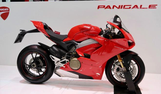 Soi Ducati Panigale V4 S mới về Việt Nam, giá gần 1 tỷ đồng - 1