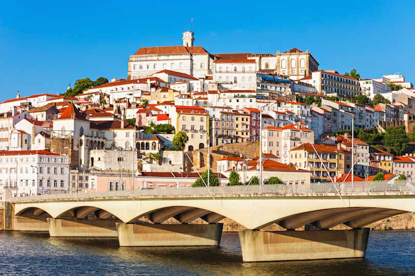 Chiêm ngưỡng quê hương cổ kính, thanh bình của các chân sút Bồ Đào Nha - 1