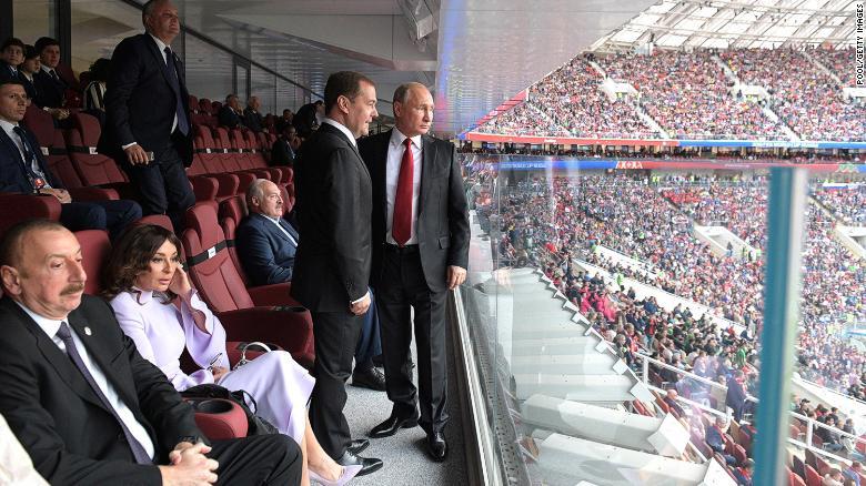 """Cách ông Putin """"ghi bàn"""" trong World Cup 2018 - 1"""
