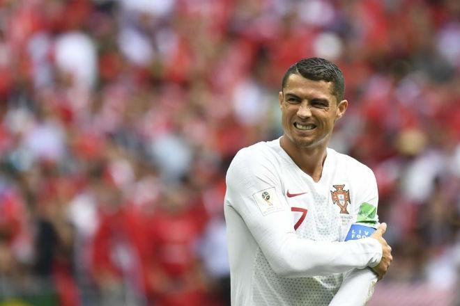 """Ronaldo rực sáng World Cup, bồ xinh """"bốc lửa"""" trợ chiến từ khán đài - 1"""