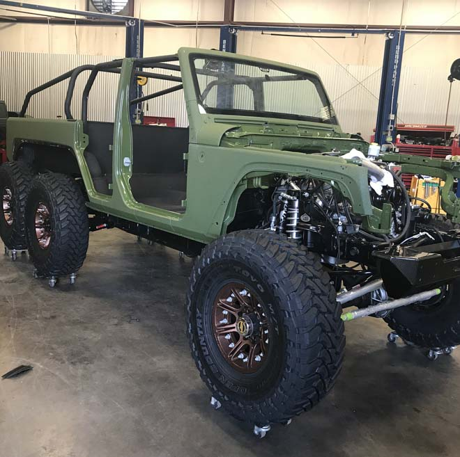 """SUV Jeep Wrangler """"biến hình"""" với bản độ 6 bánh - 2"""