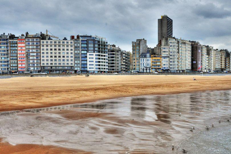 """Bỉ: Kế hoạch """"điên rồ"""" biến khu nhà hoang thành siêu nhà thổ - 1"""