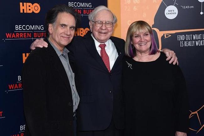 Hé lộ bài học vô giá từ cha giúp Buffett và Bill Gates làm nên nghiệp lớn - 1