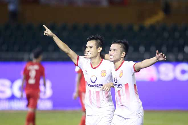 TP.HCM - Nam Định: Đá 11m Panenka, ngược dòng vỡ hòa (Vòng 15 V-League) - 1