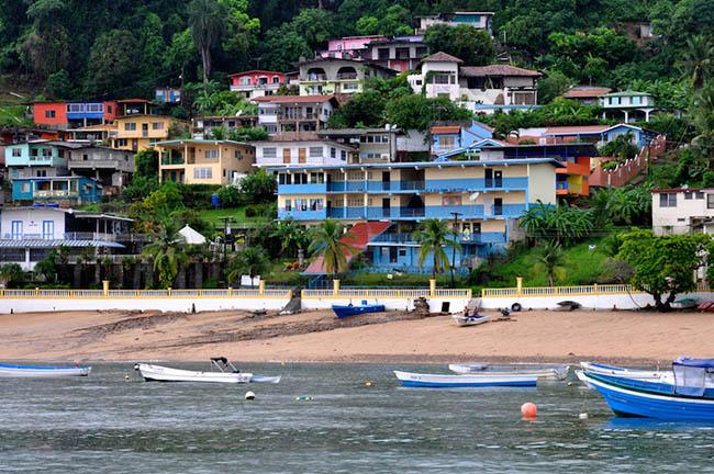 Các cầu thủ Panama đáng gờm trên sân cỏ nhưng quê hương họ lại đẹp thanh bình thế này - 2