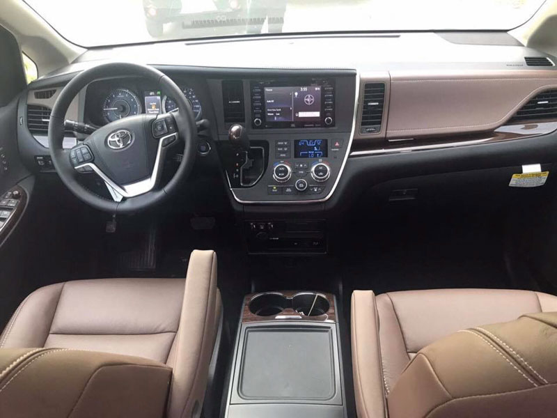 Toyota Sienna Limited 2018 nhập về Việt Nam với giá hơn 4,3 tỷ đồng - 2