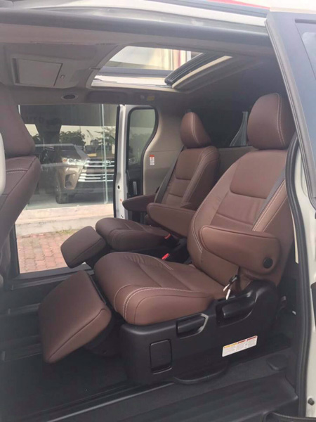 Toyota Sienna Limited 2018 nhập về Việt Nam với giá hơn 4,3 tỷ đồng - 3