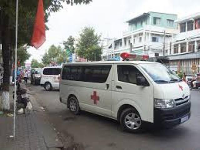 Thua cá độ bóng đá, vào bệnh viện trộm xe cứu thương - 1