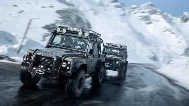 """Land Rover Defender trong phim """"Điệp Viên 007"""" sẽ được bán đấu giá - 9"""