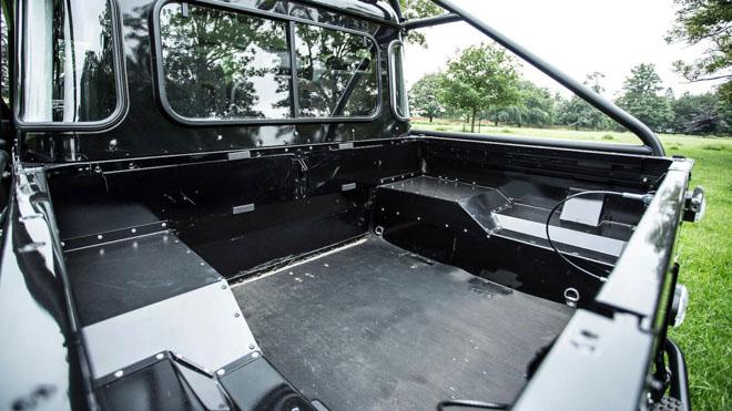 """Land Rover Defender trong phim """"Điệp Viên 007"""" sẽ được bán đấu giá - 4"""