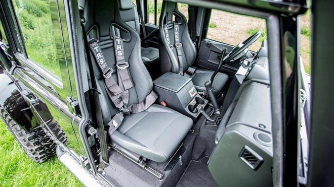 """Land Rover Defender trong phim """"Điệp Viên 007"""" sẽ được bán đấu giá - 6"""