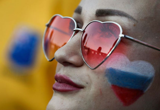 Ấn tượng World Cup 26/6: Hot girl Iran mở hội trêu tức Ronaldo, mỹ nhân Nga đắng lòng - 1