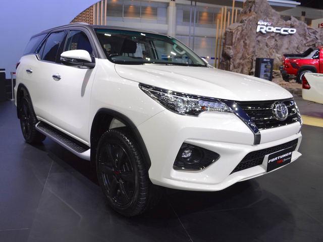 Toyota Fortuner máy dầu số tự động sắp về Việt Nam, giá từ 1,094 tỷ đồng