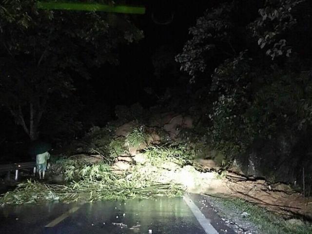 QL4D lại sạt lở nghiêm trọng, cắt đứt đường lên Sa Pa, Lai Châu