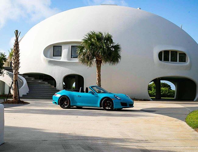Căn nhà được xây dựng vào năm 1989 do kiến trúc sư X Dilling thiết kế