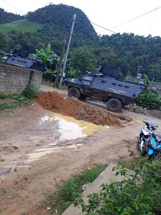 """Nóng 24h qua: Cảnh sát dùng xe bọc thép tấn công """"thủ phủ ma túy"""" ở Sơn La - 1"""