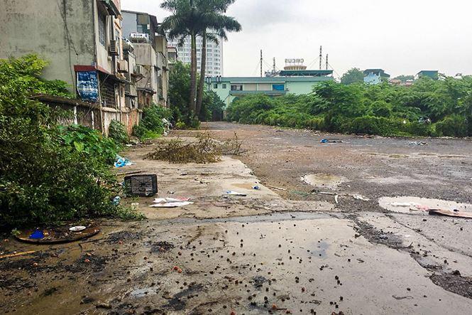 Sau 'lệnh' Chủ tịch Hà Nội, bãi xe lậu 10.000m2 đất 'vàng' bị xóa sổ - 1