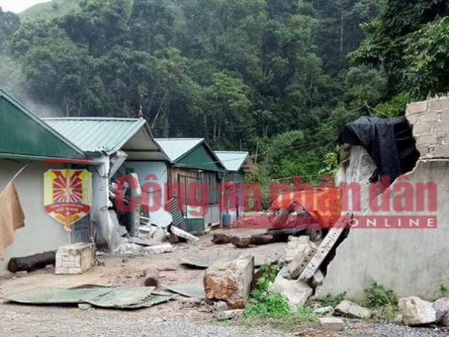 NÓNG: Hình ảnh hiện trường vụ đấu súng nghẹt thở với trùm ma túy ở Lóng Luông