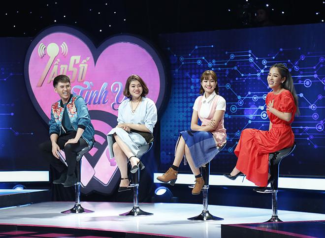 """Gameshow Việt bắt người chơi """"khai mọi thứ"""" trong điện thoại - 1"""