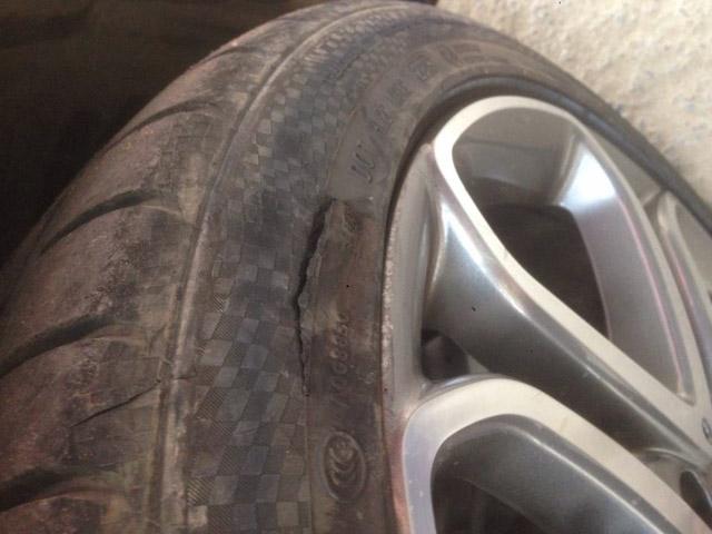 Những dấu hiệu nhận biết lốp xe của bạn cần phải thay mới - 1