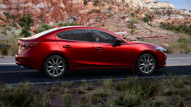 So sánh Mazda 3 phiên bản 1.5L và 2.0L: Khác biệt gì khi chênh lệch hơn 90 triệu đồng? - 2