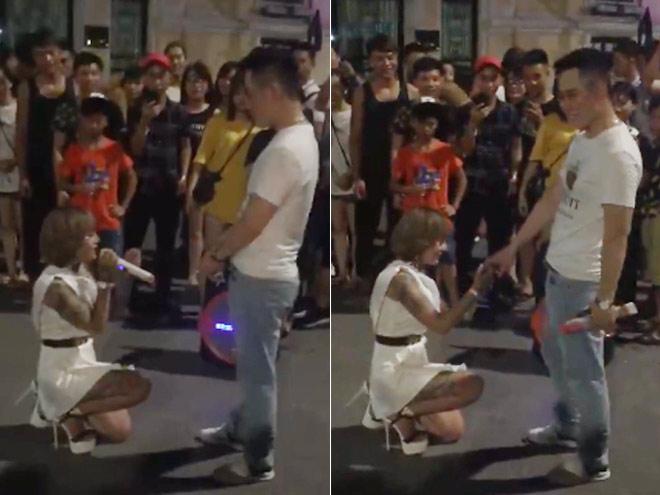 """""""Hot girl xăm trổ"""" quỳ gối cầu hôn bạn trai gây xôn xao phố đi bộ HN - 1"""