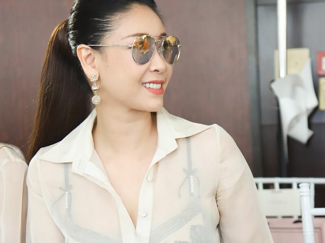 42 tuổi, hoa hậu Hà Kiều Anh được khen sexy táo bạo