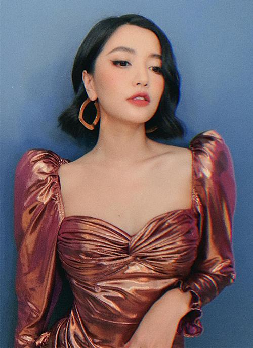 """Bích Phương cố tình mặc áo cổ rộng lộ nội y: """"Áo ngực cũng chỉ là áo thôi mà!"""" - 3"""