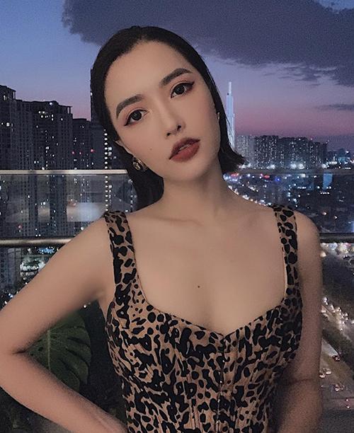 """Bích Phương cố tình mặc áo cổ rộng lộ nội y: """"Áo ngực cũng chỉ là áo thôi mà!"""" - 7"""