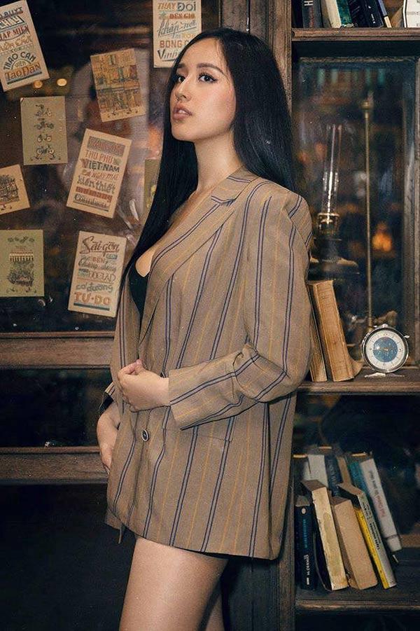 """Giai nhân cũ của Cường Đô la quá gợi cảm với cách mặc """"quần tàng hình"""" - 7"""