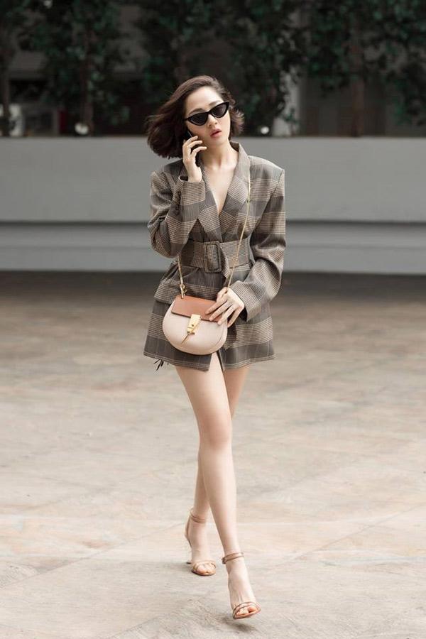 """Giai nhân cũ của Cường Đô la quá gợi cảm với cách mặc """"quần tàng hình"""" - 8"""