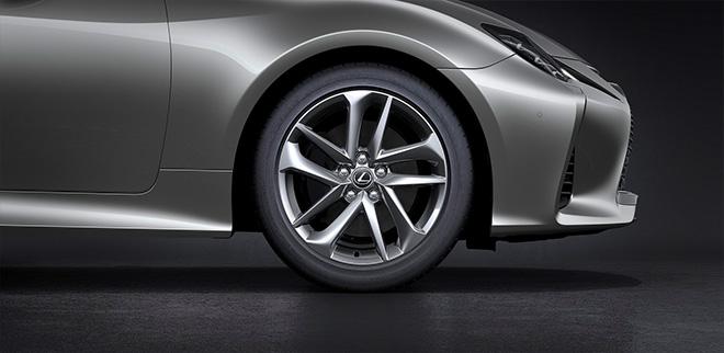 Lexus RC300 2019 đã có mặt tại hai đại lý chính hãng với giá từ 3,27 tỷ đồng - 2