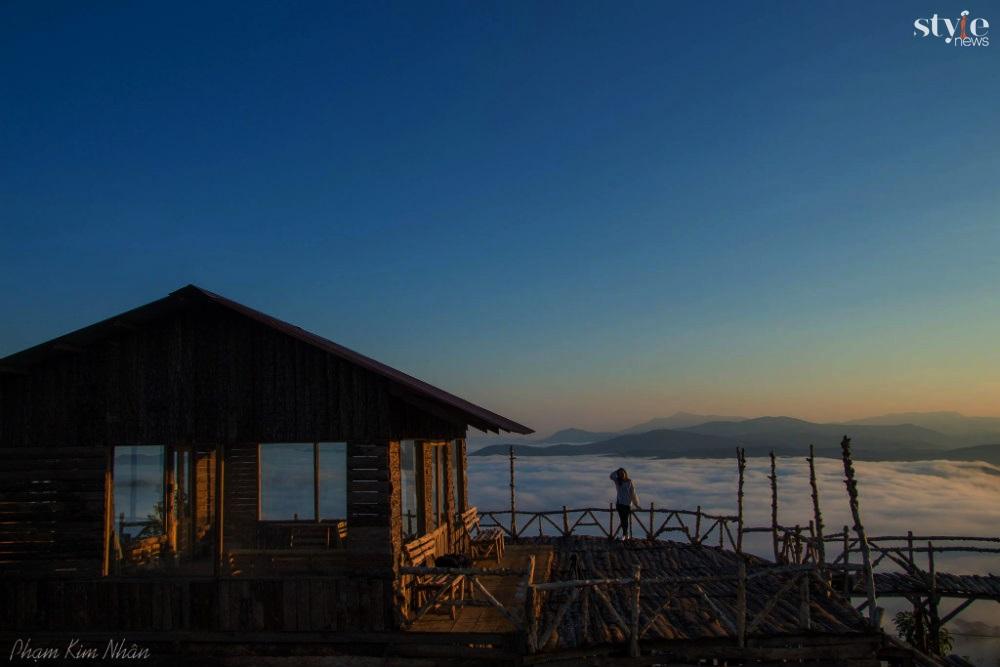 'Săn mây' trên cây cầu gỗ đẹp như chốn bồng lai ở Đà Lạt - 3