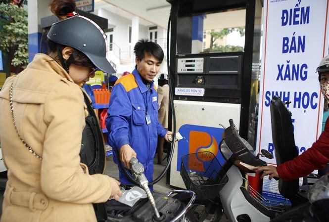 Thứ trưởng Bộ Công Thương: Nên bỏ Quỹ Bình ổn giá xăng dầu - 1