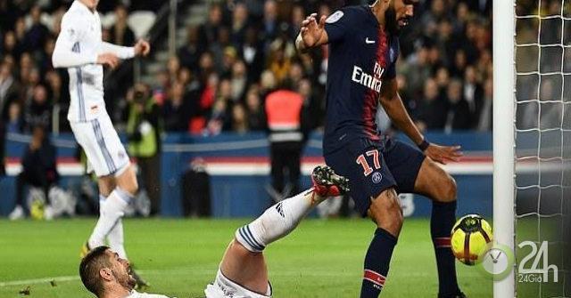 """Kinh ngạc SAO PSG """"đá bay"""" chức vô địch sớm: Mbappe hoảng hồn"""