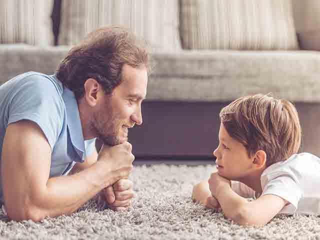 Thời đại kỷ nguyên số, bố mẹ phải dạy con ngay 10 bài học cuộc sống không thể thiếu